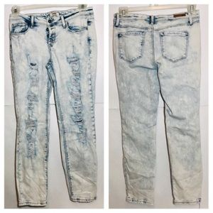3/25$ L.e.i White Wash Distressed Skinny Jean 7